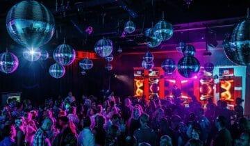Feest der herkenning Personeelsfeest na corona Disco-Feestzaal-Guilty-Pleasure-Party